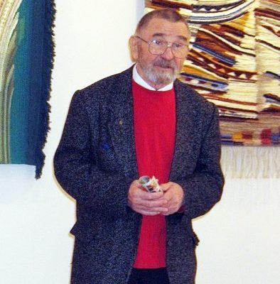 Герою Большой Международной энциклопедии «Лучшие люди»  В.Ф. Трофимову организовали персональную выставку его работ.